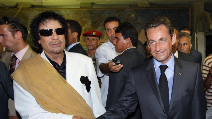 """VIDEO. """"Il m'a demandé un soutien et on l'a soutenu"""" : quand Kadhafi affirmait avoir financé la campagne de Sarkozy"""
