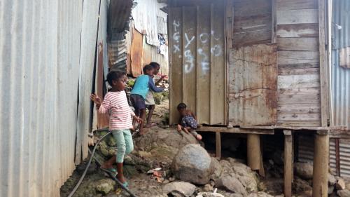 """""""Nous sommes livrés à nous-mêmes"""" : le désespoir des habitants du bidonville de Kaweni, à Mayotte"""