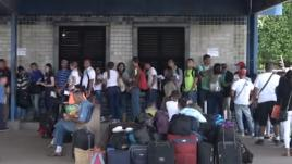 VIDEO. Brésil : les migrants affluent massivement du Venezuela