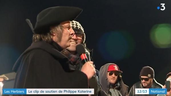 Les Herbiers : Philippe Katerine tourne un clip pour soutenir l'équipe de football