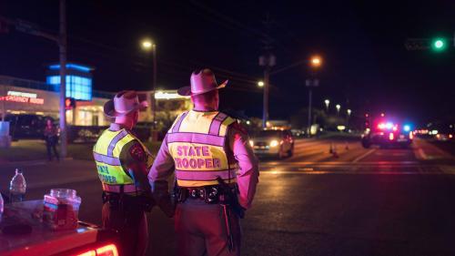 """Etats-Unis : Donald Trump dénonce les """"malades"""" à l'origine des explosions au Texas"""