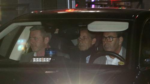 """Nicolas Sarkozy mis en examen pour """"corruption passive, financement illégal de campagne électorale et recel de détournement de fonds publics libyens"""""""