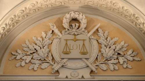nouvel ordre mondial | Justice : avocats et magistrats vent debout contre la réforme