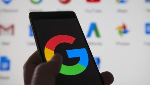 Voyages, recherches, emails supprimés... Un internaute a fouillé dans les données conservées par Google (et le résultat est effrayant)