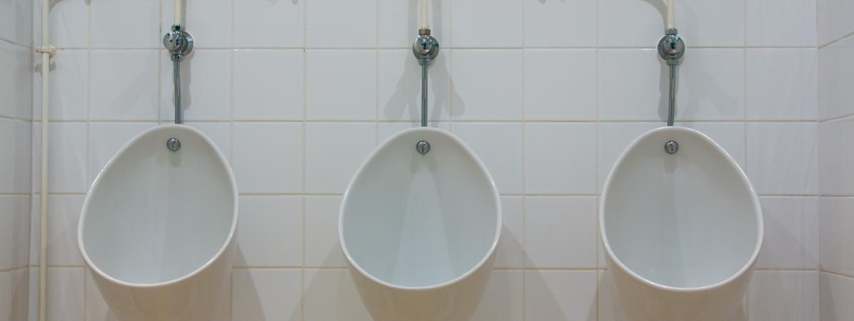 Un plombier invente un syst me pour recycler l eau de sa for Systeme chasse d eau