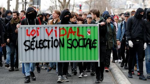 """""""Le gouvernement nous demande de faire le sale boulot en triant les étudiants"""": pour s'opposer à Parcoursup, des profs appellent au boycott"""