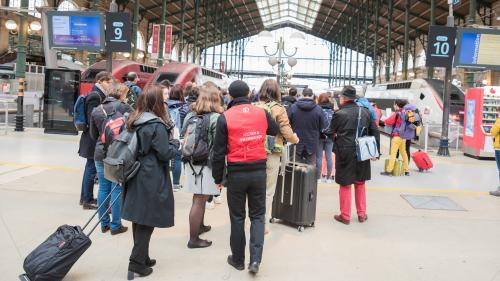 Grève à la SNCF : 57% des Français estiment que le mouvement n'est pas justifié, selon un sondage