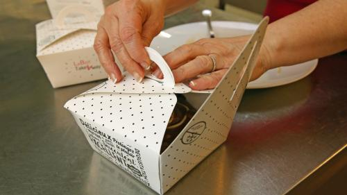 """Pourquoi le """"doggy bag"""" a un mal de chien à s'installer dans les restaurants en France"""