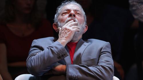 Brésil : un juge ordonne l'incarcération de Lula, condamné à douze ans de prison pour corruption