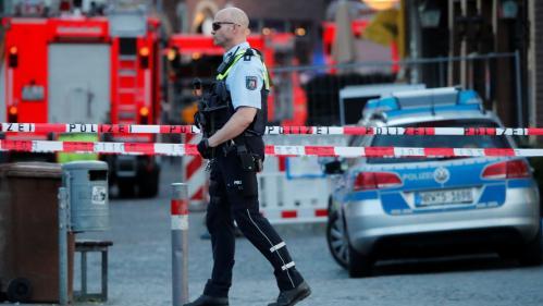 VIDEO. Un homme fonce en camionnette dans la foule à Münster : le déroulé des faits