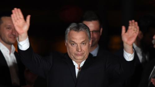 Hongrie : le parti de Viktor Orban remporte une écrasante victoire aux législatives