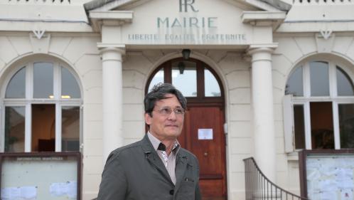 Essonne : alcoolisé, un maire menace des gens du voyage avec un sabre japonais