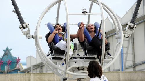 Paris : une barre de sécurité d'une attraction lâche en plein vol à la foire du Trône