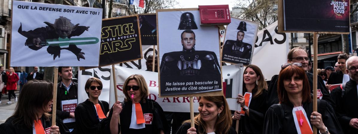 Des avocats et magistrats défilent à Paris, le 11 avril 2018, pour protester contre le projet de réforme de la justice.