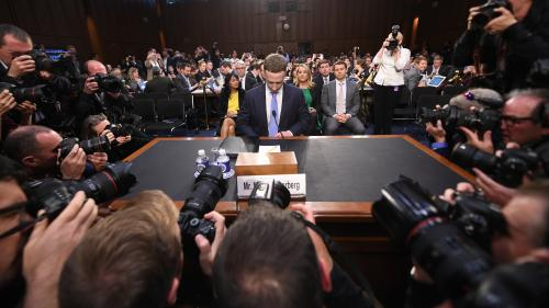 Facebook : cinq moments à retenir de l'audition de Mark Zuckerberg devant le Sénat américain