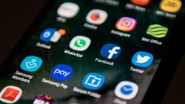 Le smartphone, l'espion que les Français aiment