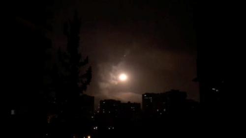 """DIRECT. Frappes occidentales contre la Syrie : Damas dénonce une """"agression barbare et brutale"""""""