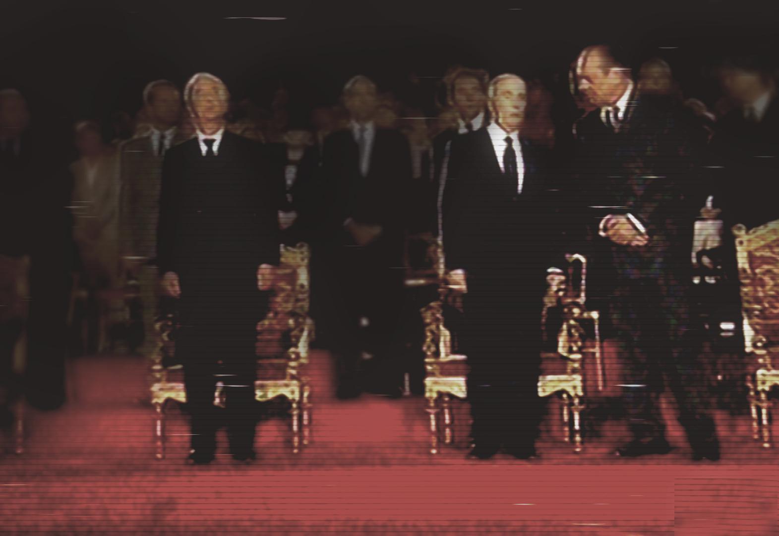 Edouard Balladur, François Mitterrand et Jacques Chirac assistent au 50e anniversaire de la Libération de Paris, le 25 août 1994.