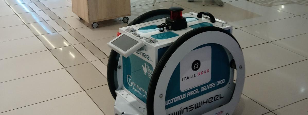 Un robot pour porter vos courses 14820954