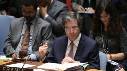 François Delattre, ambassadeur de France aux Nations unies à New-York (Etats-Unis), donne un discours lors d\'une réunion du Conseil de sécurité, le 14 avril 2018, après les frappes aériennes coordonnées par la France, les Etats-Unis et le Royaume-Uni.