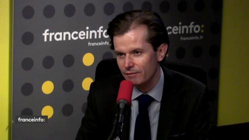 """L'interview d'Emmanuel Macron """"était faite pour faire buzzer"""", selon un député LR"""