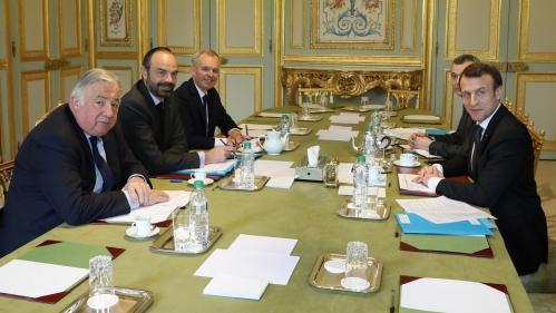 Révision constitutionnelle : Larcher va demander à Macron un réexamen du texte