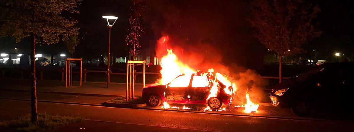 """c'était un festival de voitures brûlées"""" : pourquoi le quartier du"""