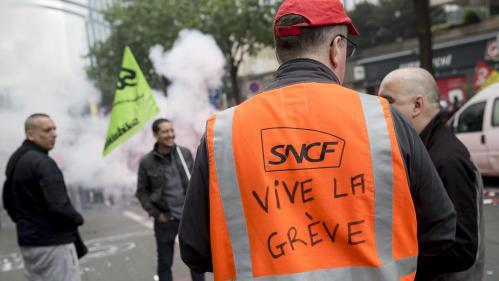 """Grève à la SNCF : l'intersyndicale """"suspend"""" la concertation avec la ministre des Transports"""