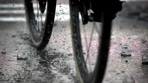 nouvel ordre mondial   Haute-Garonne : un coureur cycliste se fait tirer dessus au retour de l'entraînement