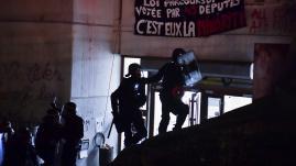 """VIDEO. """"J'ai pris des coups de pied"""" : une étudiante raconte l'évacuation de l'université de Tolbiac"""