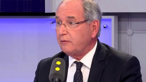 Le député Jean-Michel Clément quitte le groupe LREM après son vote contre la loi asile et immigration