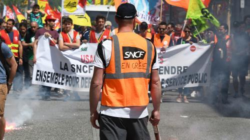 """SNCF : les syndicats annoncent un """"rassemblement le 3 mai"""" à Paris et en régions"""