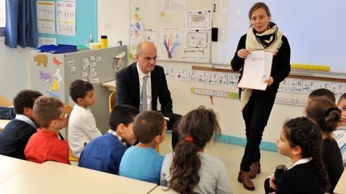 """""""Ça doit faire longtemps qu'il n'est pas allé dans une classe"""" : des enseignants réagissent aux conseils de Blanquer"""