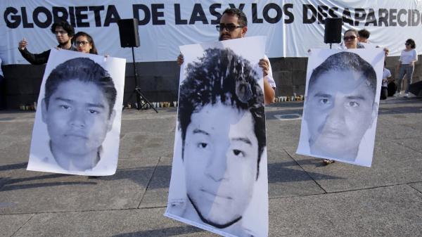 FranceTV info, Mexique : un rappeur star avoue avoir dissous dans l'acide les corps de trois étudiants disparus