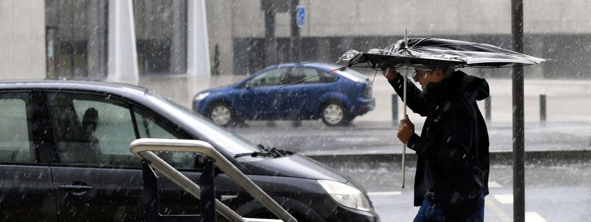 L\'épisode de froid qui touche une partie du pays lundi 30 avril 2018 ne devrait pas durer, selon les prévisionnistes de Météo France.