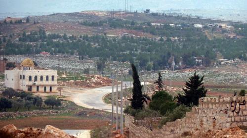 """La Syrie dénonce une attaque de """"missiles ennemis"""" sur plusieurs de ses """"positions militaires"""""""