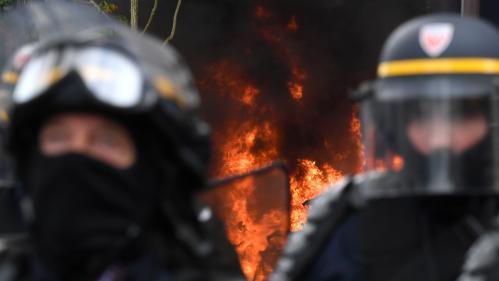 Manifestations du 1er-Mai : plusieurs magasins saccagés par des individus encagoulés à Paris