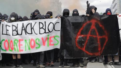 """""""Il y a des failles, on les exploite"""" : un membre des black blocs explique comment infiltrer une manifestation"""