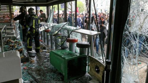 """""""Ils ont lancé un cocktail Molotov derrière le comptoir"""" : témoins et salarié racontent l'attaque du McDo par les black blocs"""