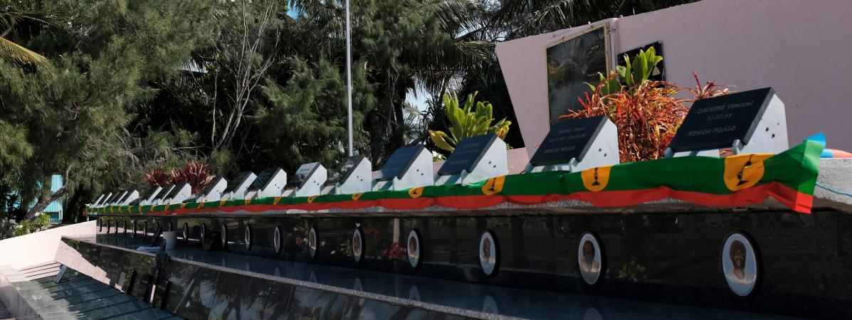 Le mémorial de Wadrilla dédié aux 19 indépendantistes kanaks tués lors de l\'assaut de la grotte d\'Ouvéa, en 1988.