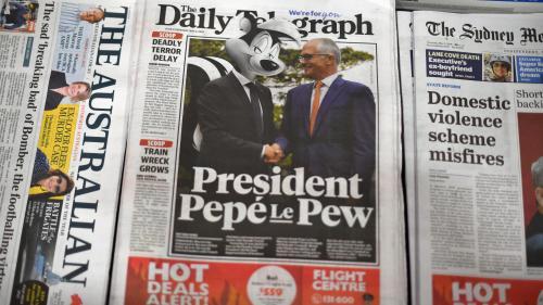 Un journal australien dépeint Emmanuel Macron en Pépé le putois après sa gaffe sur la femme du Premier ministre