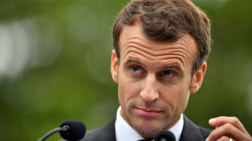 """Un an après son élection, Emmanuel Macron est perçu comme un """"président des riches"""" par les trois quarts des Français"""