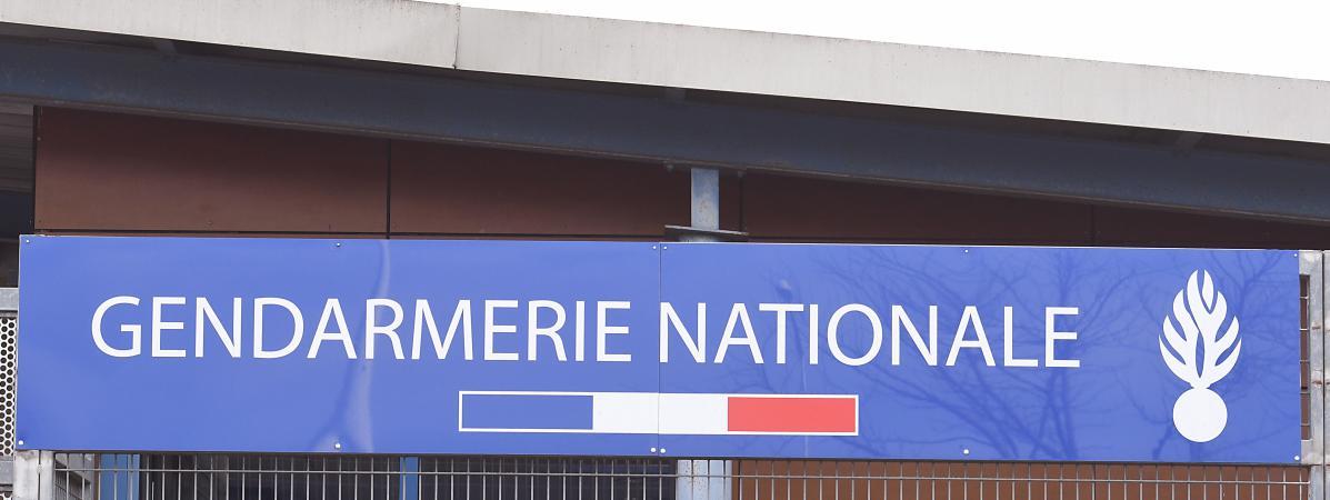 Le fronton d\'une caserne de gendarmerie (image d\'illustration).