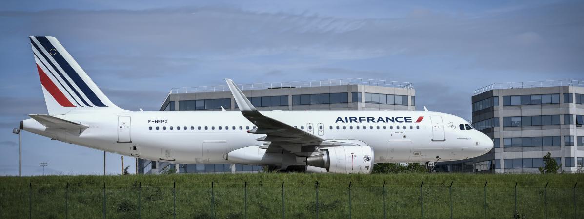 Un avion d\'Air France à l\'aéroport Roissy-Charles de Gaulle, le 24 avril 2018