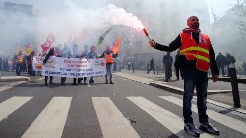 VIDEO. SNCF : les jours de repos des grévistes seront-ils payés ?