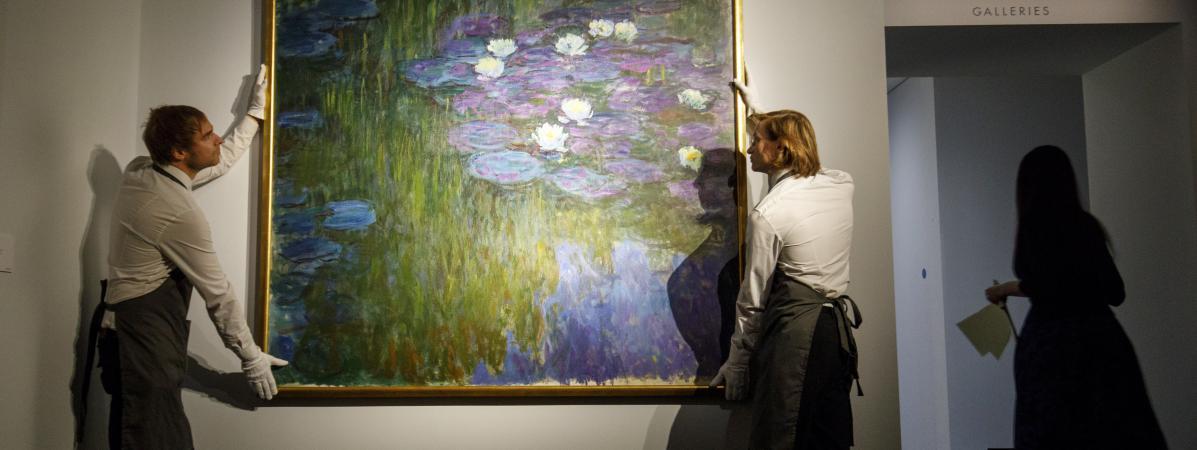 """Le tableau de Claude Monet les \""""Nymphéas en fleurs\"""", ici à Londresen février 2018, a été vendulors dela vente organisée par Christie\'s de New York."""