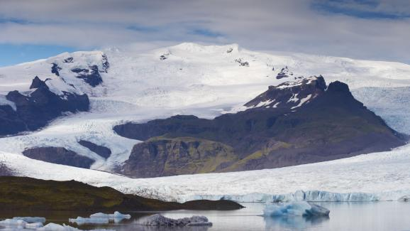 Le glacierOraefajokull est en réalité un volcan, ici photographié en 2009, en Islande.