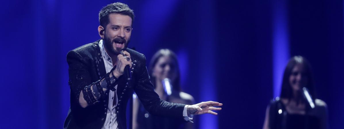 Eugent Bushpepa, candidat albanais au concours de l\'Eurovision, lors de la première demi-finale, à Lisbonne, le 8 mai 2018.