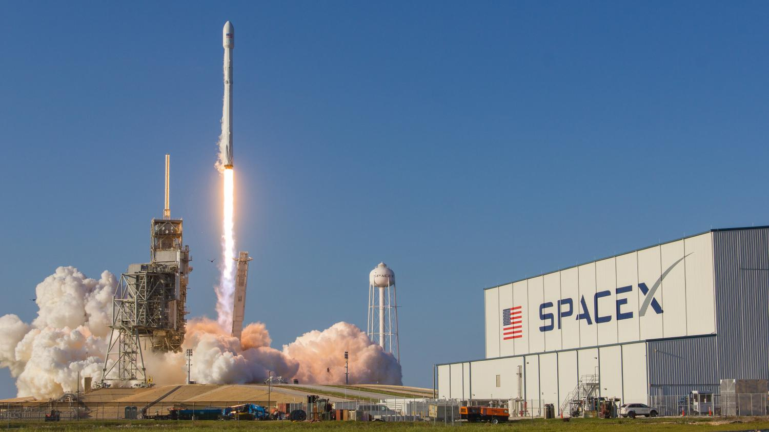 lancement de falcon 9 pourquoi la nouvelle fus e de spacex pourrait r volutionner l 39 industrie. Black Bedroom Furniture Sets. Home Design Ideas