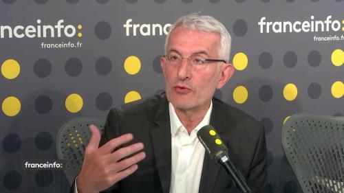 Grève à la SNCF: des billets moins chers et plus d'informations sur les trains en circulation, promet Guillaume Pepy